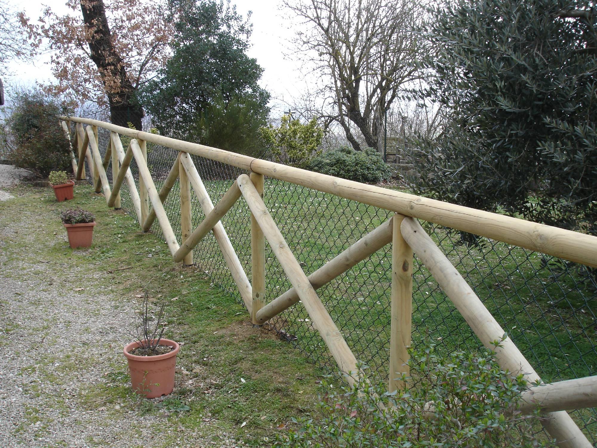Amantini recinzioni staccionate - Staccionate in legno per giardini ...